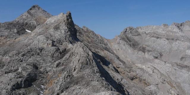 Kein typisches Bild Spaniens – Abstieg vom Torre de los Horcados Rojos. Foto: Antes & Antes