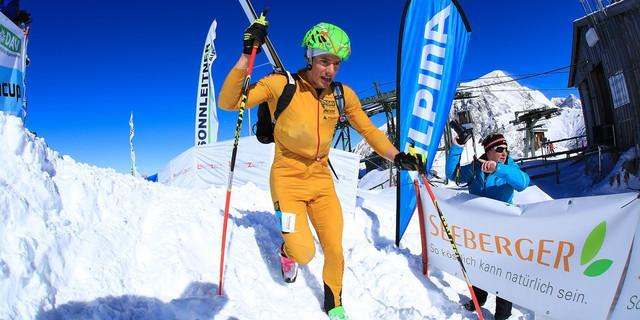 Philipp Schädler freut sich über Platz 3 beim Individual © DAV / Seebacher