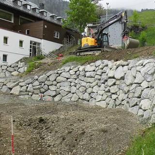 Vorbereitung für den neuen Tipi-Platz, 04.06.2020; Foto: Jubi/ Leonard Güntner