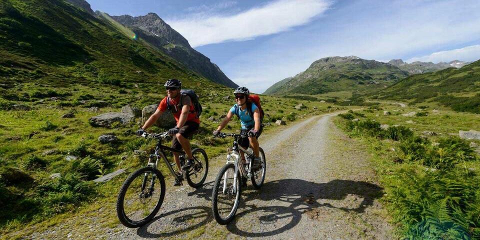 Auch naturverträgliches Mountainbiken ist Teil des Breitenbergsportprogramms des DAV. Foto: DAV/Wolfgang Ehn