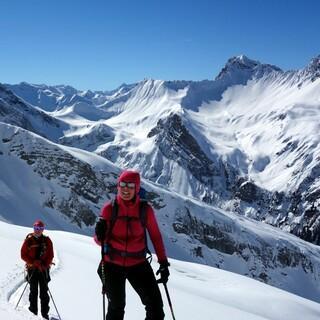 Freie Südwesthänge führen aus dem Tal von Kaisers zur Guflespitze. Foto: Luis Stitzinger, Alix von Melle