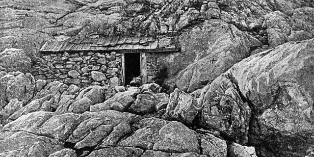 Die ersten Hütten waren bessere Unterstände. Das Hotel Simony um 1860. Archiv des DAV, München