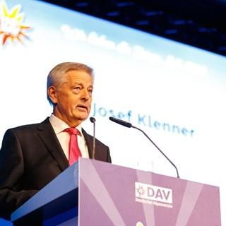 DAV-Präsident Josef-Klenner bei der Jubiläumshauptversammlung 2019, Foto: DAV/Marco Kost