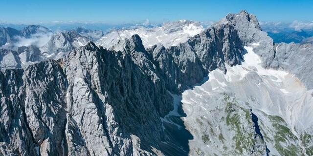 Berühmt und berüchtigt: Jubiläumsgrat zwischen Zug- und Alpspitze, Foto: Jörg Bodenbender
