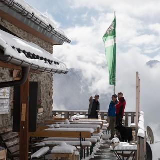 Auch im Sommer möglich - Winterstimmung auf der Kaunergarthütte, Foto: DAV/Oliver Guse