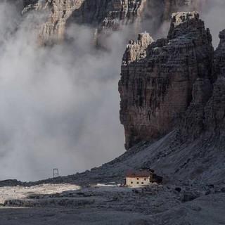 Das Rifugio Alimonta liegt zwischen Bochette Alte und Bochette Centrale. Foto: Ralf Gantzhorn