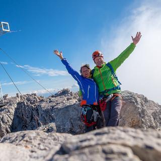 Einmal im Leben muss es sein: die Autoren auf dem höchsten Steirer Gipfel; Foto: Iris Kürschner