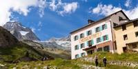 Das Berghaus Trift präsentiert sich wie zu Whympers Zeiten. Foto: Iris Kürschner/powerpress