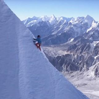 "Szene aus dem Film ""First Ascent of Lunag Ri – Solo"""