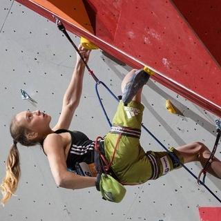 Die 17-jährige Lead-Weltmeisterin Janja Garnbret.