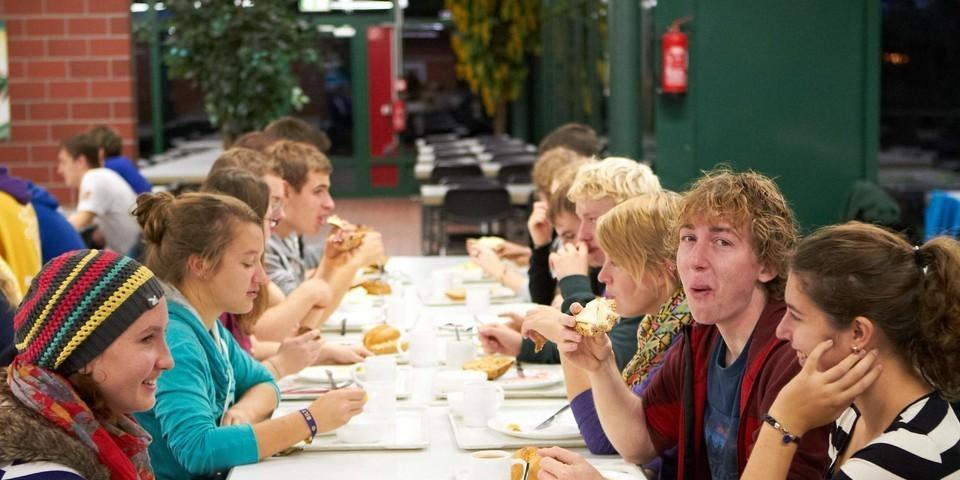 Frühstück in der Mensa