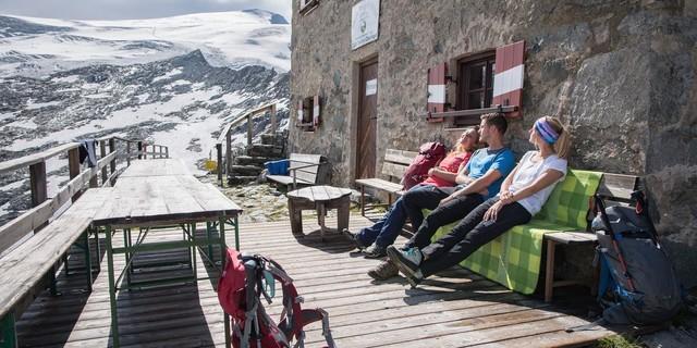 Ausblick auf der Terrasse genießen - Fotocredit: DAV/ Jens Klatt
