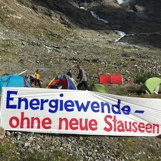 Mit verschiedenen Aktionen will das Triftkomitee das Schweizer Gebirgstal retten. Foto: Triftkomitee