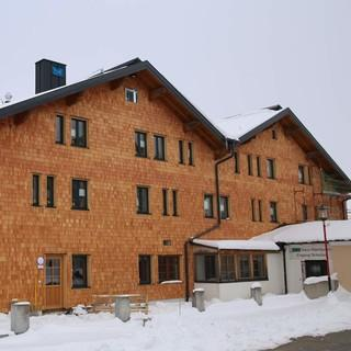 DAV-Haus mit neuer Fassade, Foto: DAV