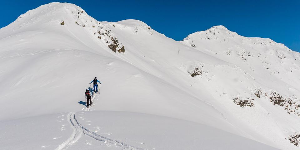Die Kamm-Fortsetzung vom Jaufenpass bietet ein spannendes Skitourenrevier. Foto: Ingo Röger