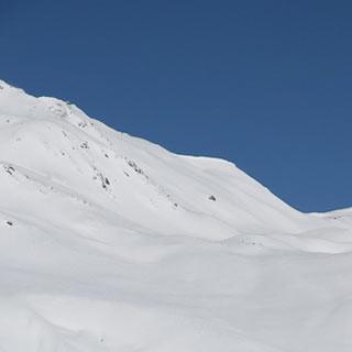 Äußerer Nockenkopf - Sonniges Ziel: Der Äußere Nockenkopf über Rojen hat schöne Südhänge.