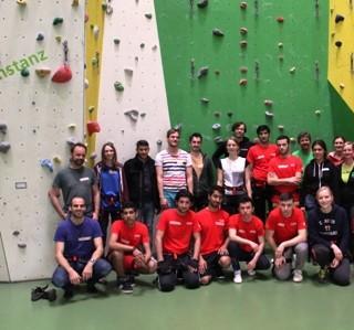 """Aktion """"Klettern mit Flüchtlingen"""" der Sektion Konstanz. Foto: Timo Eckhard und Daniel Oppold"""