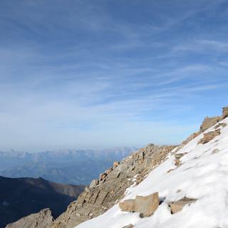 Am Gipfel des Wiesbachhorns - Schneefrei aufs Wiesbachhorn, ein seltenes Glück. Hinten das Steinerne Meer