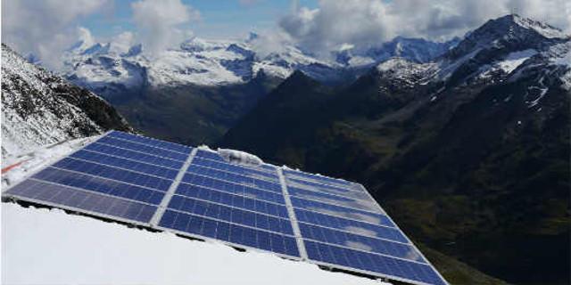 Neue Prager Hütte - Die Photovoltaikanlage versorgt die Hütte mit regenerativem Strom.