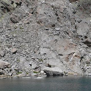 """Eissee unter dem Keeskopf - Auch der Eissee unter dem """"Seven Summit"""" Keeskopf ist kein warmes Freibad."""