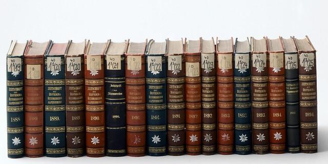 JahrbücherReiheweb