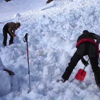 Lawine Finsteraarhornhütte 2008 015