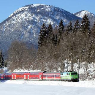 DAV-Lok-Mit-der-Bahn-in-die-Berge
