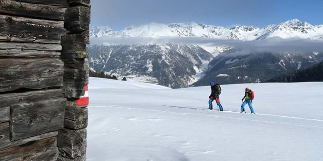 Skitour mit Aussicht: Auf dem Weg vom Thurntaler zum Marchkinkele. Foto: Stefan Herbke