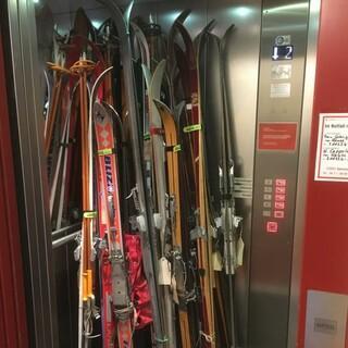 """Skilift"" im Alpinen Museum. Foto: Max Wagner"