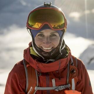 Nadine Wallner am Arlberg, Foto: ServusTV/Andreas Vigl