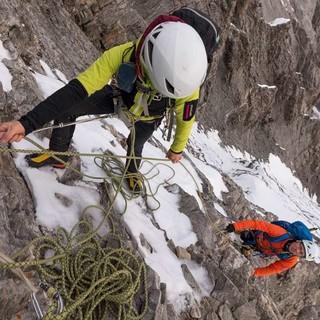 Der Gitzigrat am Balmhorn bietet gehobene Kletterei mit markanten Tiefblicken. Foto: Ralf Gantzhorn