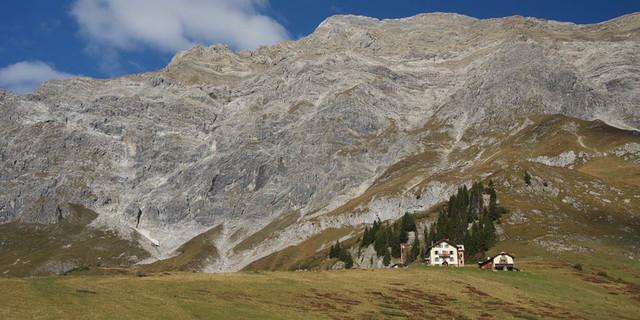 Die gemütliche Schesaplanahütte steht auf der Graubündner Seite des Rätikons. Foto: Ute Watzl