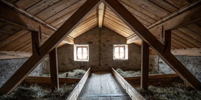 Heulager im Dachstuhl, Foto: Fabian Dalpiaz
