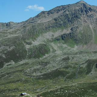 Das Gebiet rund um die Ascher Hütte wurde bereits durch einen Sessellift erschlossen. Die Richtung zeigt nach Serfaus-Fiss-Ladis. (Foto: DAV)