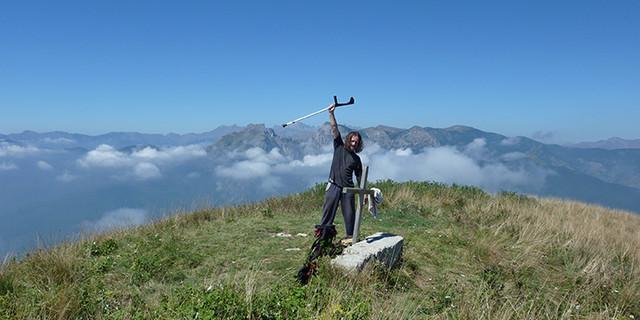Gipfelglück trotz und mit Krücken, Foto: Jürgen Krämer