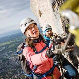Klettersteiggehen in den Alpen, Foto: Attenberger
