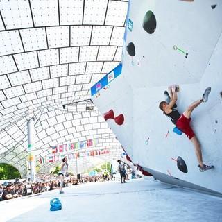 In München haben internationale Kletterevents eine lange Tradition, wie hier beim Boulderweltcup; Foto: DAV/Vertical Axis