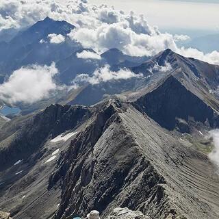 Über den Wolken: Auf über 3500 Meter hoch führt der Weg – entsprechend ist die Aussicht. Foto: Stefan Neuhauser