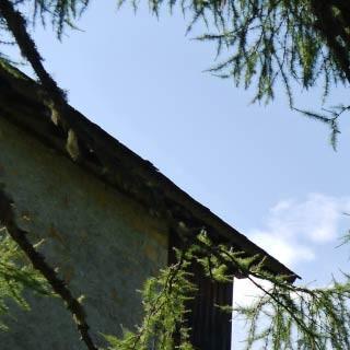 Casera Lavazeit - <p>Die gepflegte Selbstversorgerhütte Casera Lavazeit besticht mit ihrer attraktiven Lage vor den Massiven der Dolomiti Friulane.</p>