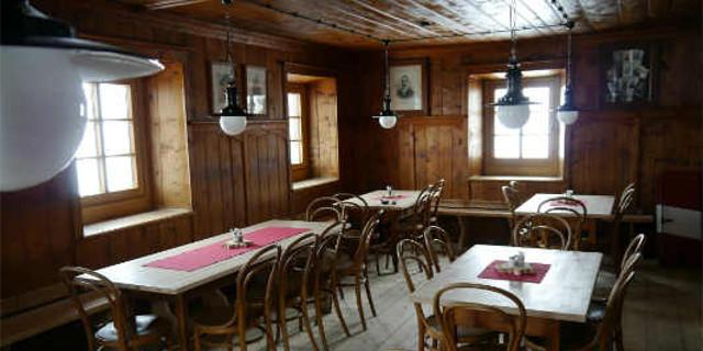 Neue Prager Hütte - Schmuckstück der Hütte - die denkmalgeschützte Prager Stube!
