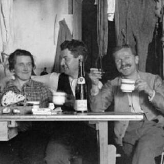 Mit der Onlinesuche des Alpenarchivs einfach historische Fotografien und vieles mehr finden. Foto: DAV Archiv