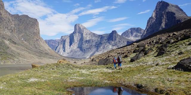 """Sicht auf den """"Mount Thor"""", eine der längsten und schwierigsten Bigwalls der Welt, Foto: SAC-CAS"""