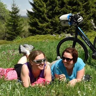 Mit dem Rad durch den Bayerischen Wald - Ohne angemessene Pausen wäre Radeln nur halb so schön. Foto: Thorsten Brönner