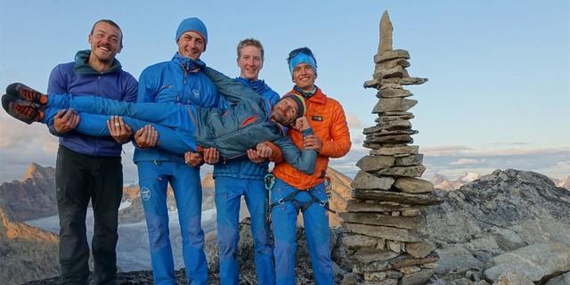 """Auf dem Gipfel des """"Willen's Peak"""". v.l.n.r. Louis Jacques, Johannes Konrad, Mathias Ulrich, Pierre Bétrisey, Denis Burdet, Foto: SAC-CAS"""