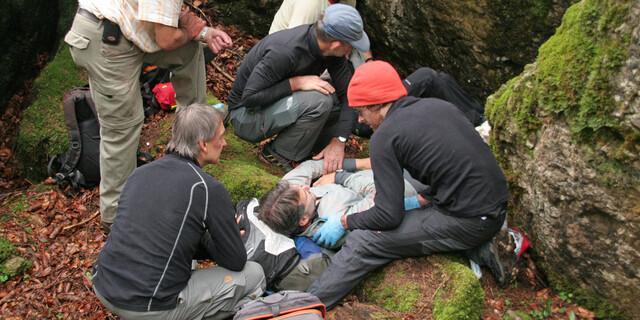 Erste Hilfe am Fels, Foto: DAV/Christine Frühholz