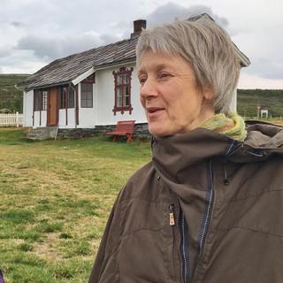 Christiane von der Fokstugu Fjellstue begrüßt die Wanderer herzlich. Foto: Joachim Chwaszcza