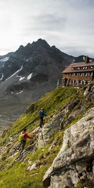 Ankunft auf der Saarbrücker Hütte, Foto: Montafon Tourismus GmbH - Daniel Zangerl
