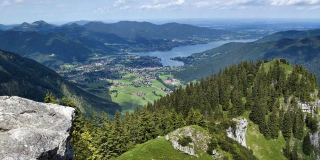 Gipfelschau auf den Tegernsee  Foto: Siegfried Garnweidner/alpenvereinaktiv.com