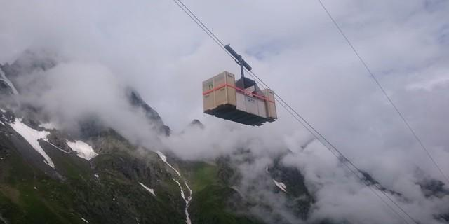 Mit der Seilbahn geht es für die Steinböcke hinauf zur Greizer Hütte. Foto: DAV