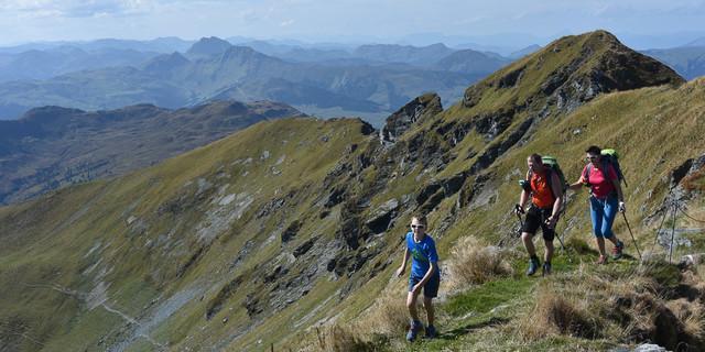 """Der Geißstein, """"höchster Grasberg Europas"""", ist für trittsicher Wanderer ein purer Genuss. Foto: Andi Dick"""